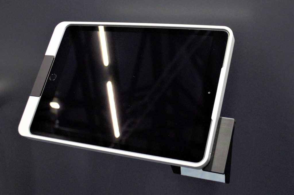 Kiosk Full Enclosure Wall Mount Stand for iPad